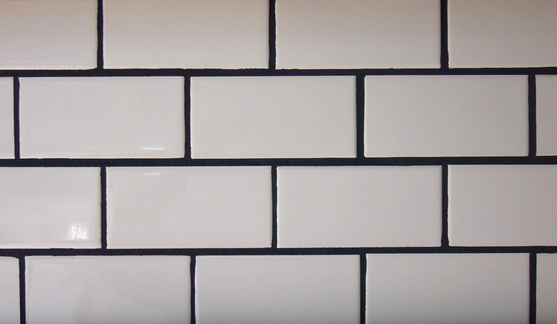 Azulejos Baño Blanco:higienica son los azulejos blancos con las juntas en gris o negro